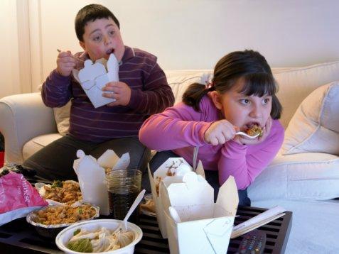 """นักวิจัยชี้ """"ยาลดอ้วน"""" ได้ผลน้อยกว่าคุมอาหาร"""
