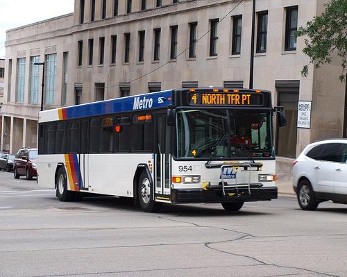 """เมื่อ""""คนขับรถเมล์"""" ได้ค่าตอบแทน ทำสถิติเงินเดือนสูงกว่า """"นายกเทศมนตรีเมืองเมดิสัน"""""""