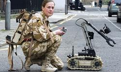 กองทัพผู้ดีคิดหุ่นกู้ระเบิด พระเอกในสนามรบ-ลดเสี่ยงตาย