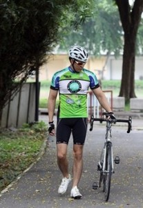 ภาพดร.เอกพล เมธารมณ์ กับจักรยานคู่ใจ