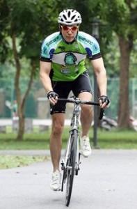ภาพคุณเอกพล เมธารมณ์ กับการปั่นจักรยาน